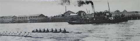 1901 Champion Eight entering the river